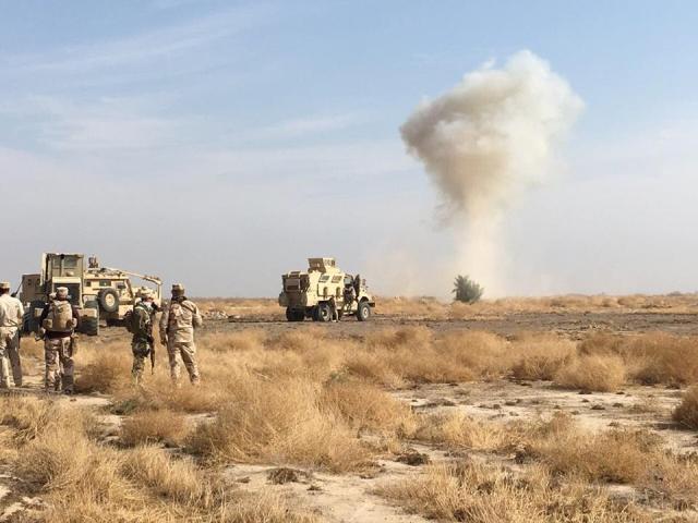 تدمير 4 مضافات لداعش وحرق زورقين في الموصل