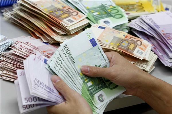 اسعار العملات الاجنبية والذهب ليوم الخميس